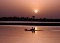 Река Нигер, река в Западной Африка.