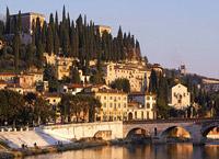 Город Верона, столица провинции Верона, Италия.